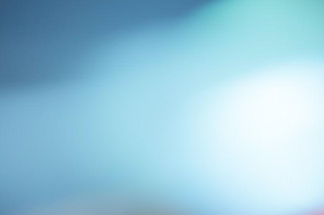 「青白い光」のフリー写真素材