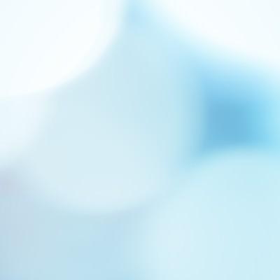 「青い光に包まれて」の写真素材