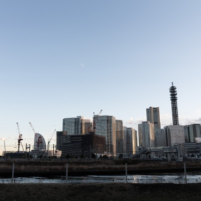 「横浜ベイクォーターからのみなとみらい」の写真素材
