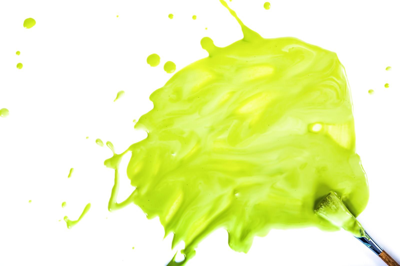 「豪快に塗料を飛び散らせる」の写真