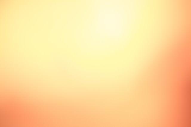 「オレンジ色の光」のフリー写真素材