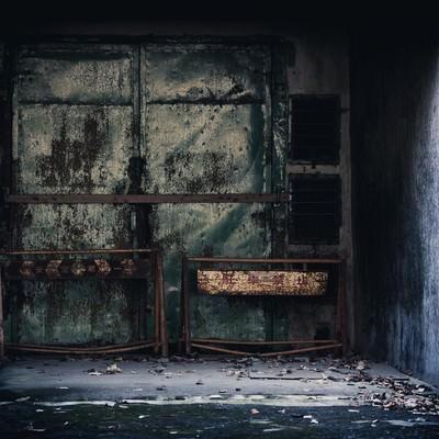 「立ち入り禁止の封鎖された入り口」の写真素材