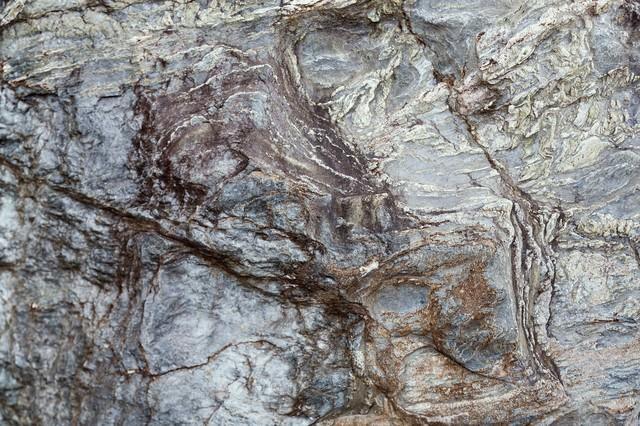 ゴツゴツした岩肌のテクスチャーの写真