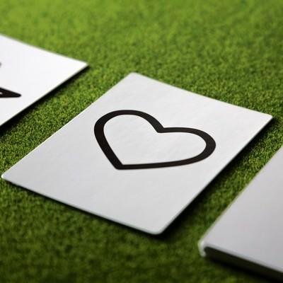 「ハートの予言カード」の写真素材