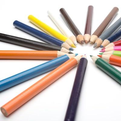 「カラフルな色鉛筆」の写真素材