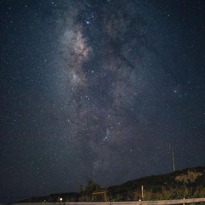 「山岳から見える天の川」の写真素材