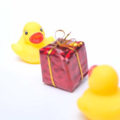 「プレゼント交換」の写真素材