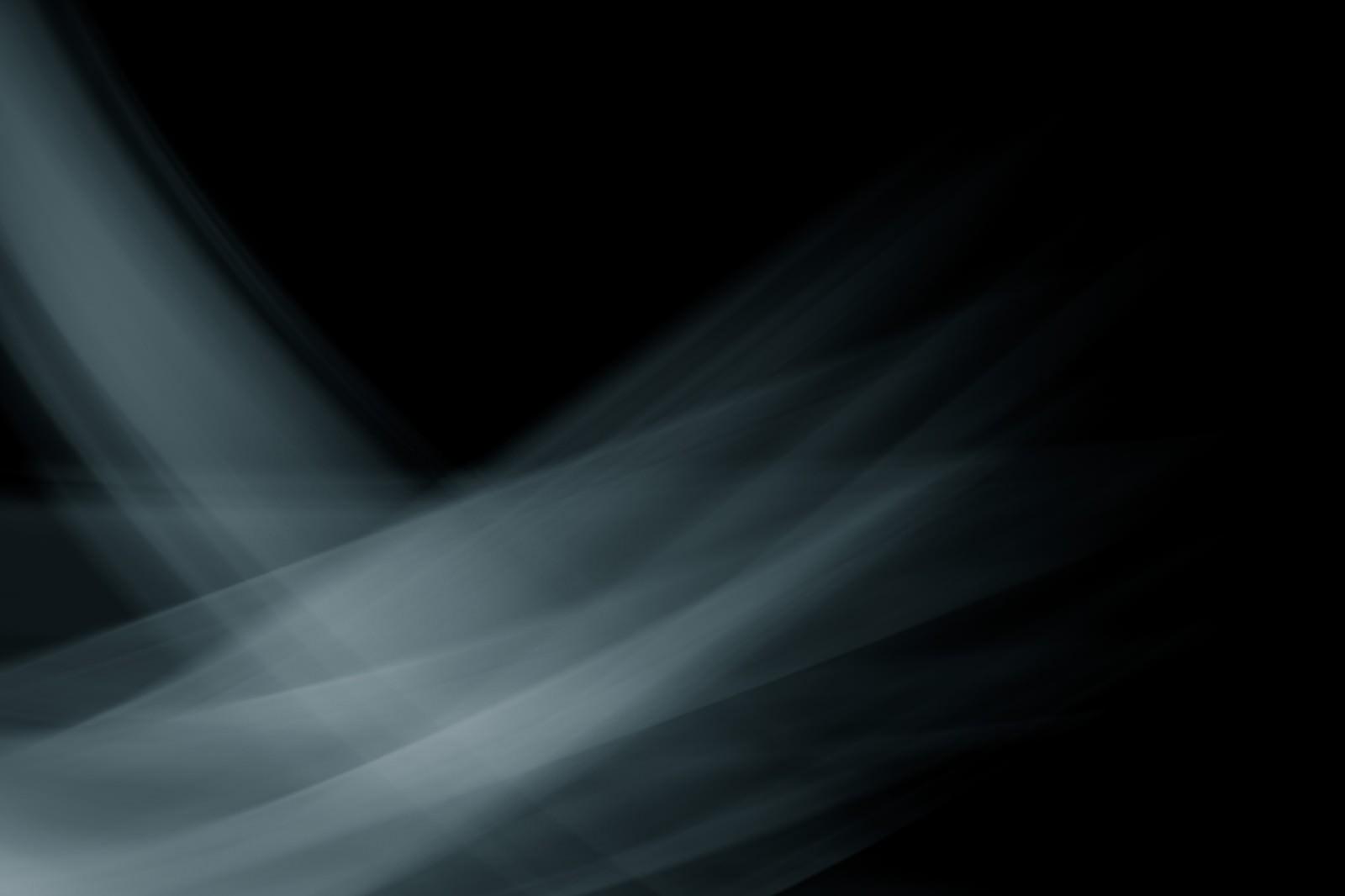 「暗闇と光の跡」の写真