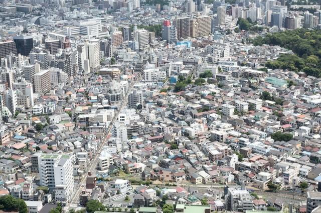 市街地を見下ろすの写真