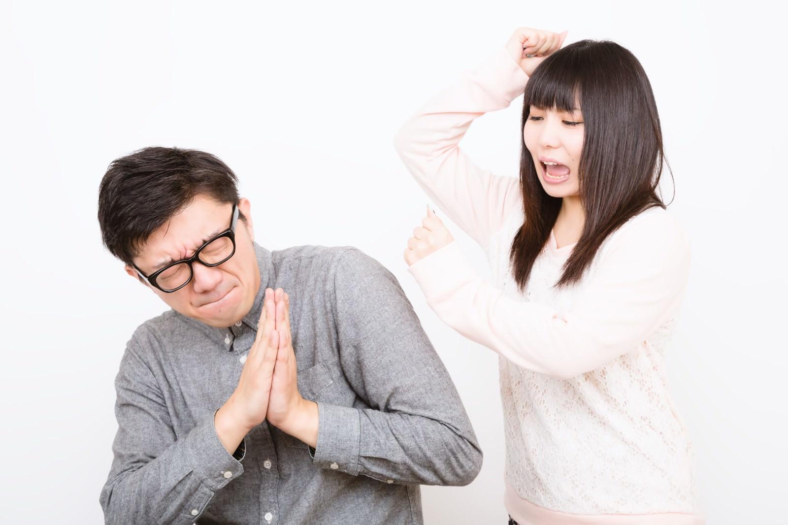 「痴話げんかをする恋人同士」の写真[モデル:OZPA Lala]