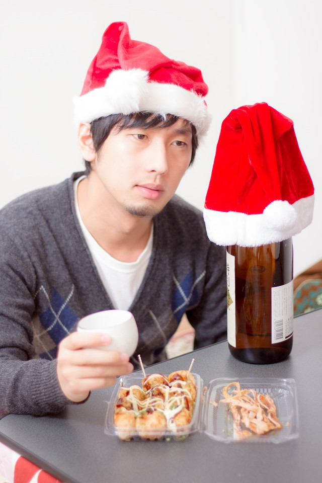 酒瓶と晩酌のクリスマスの写真