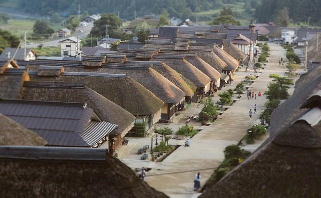 大内宿の茅葺き屋根の写真