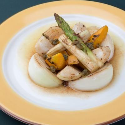 「本日野菜のロースト、焦がしバターソース」の写真素材