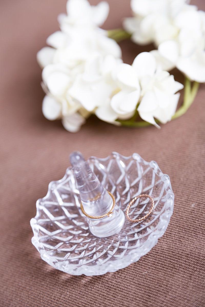 「指輪と花」の写真