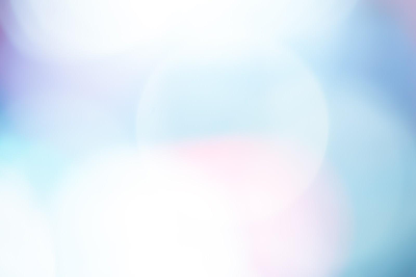 「青白い光のボケ」の写真
