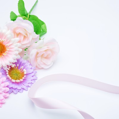 お花とリボンの写真