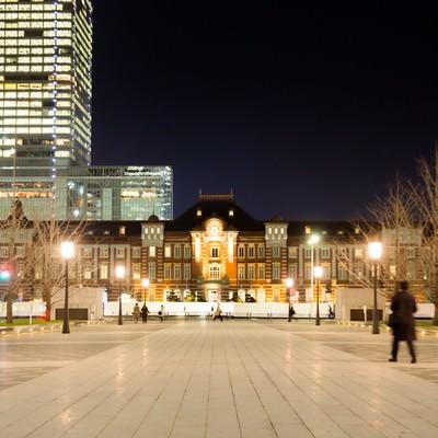 「東京駅正面(夜景)」の写真素材
