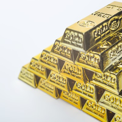 「ピラミッドの金塊」の写真素材