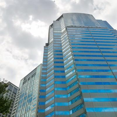 「ビルと青空」の写真素材