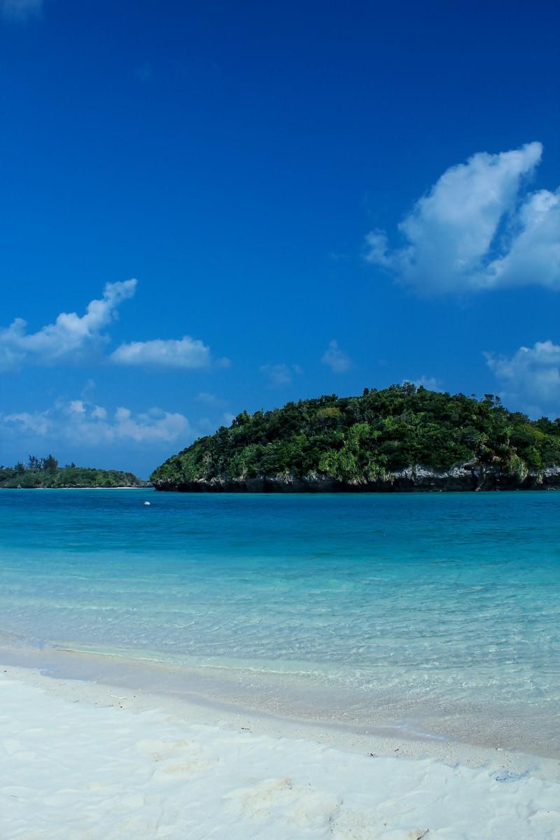 「沖縄の青い海」の写真