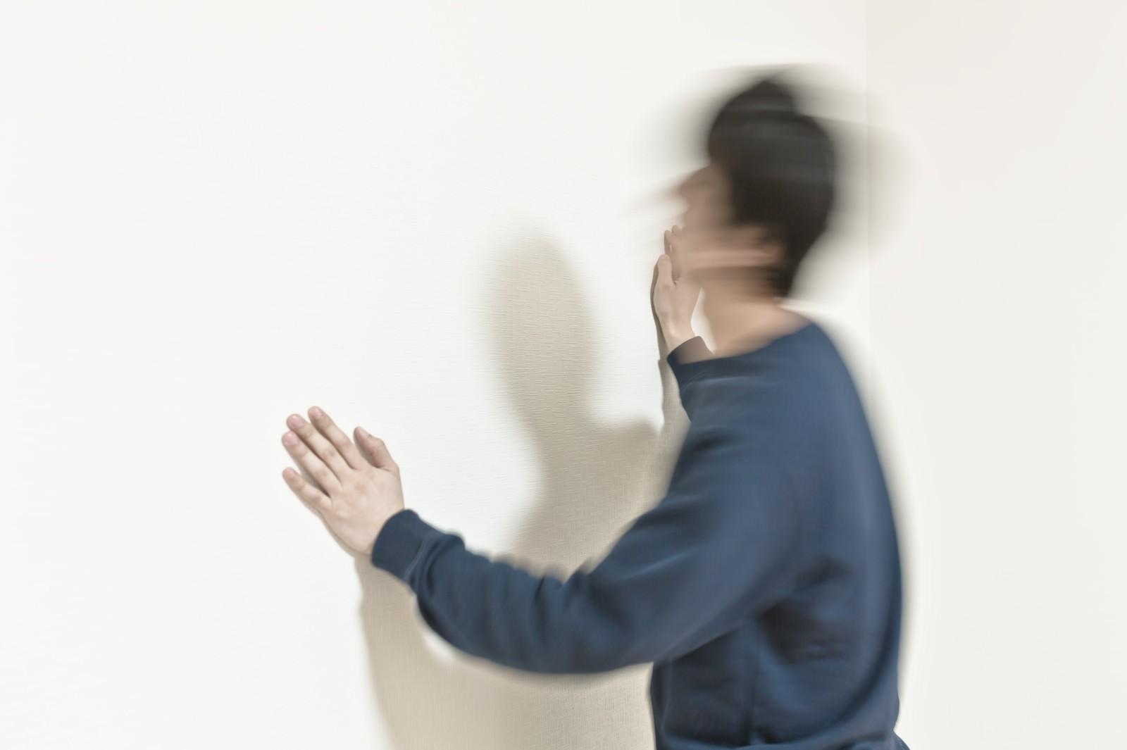 「ヘッドバンキングドン」の写真[モデル:大川竜弥]