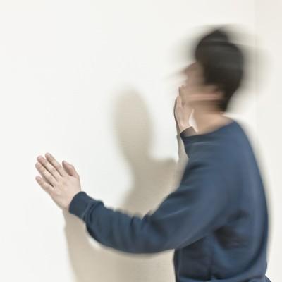 「ヘッドバンキングドン」の写真素材