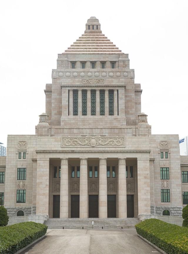 国会議事堂正面の写真