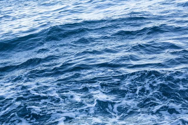 船からの海上の写真