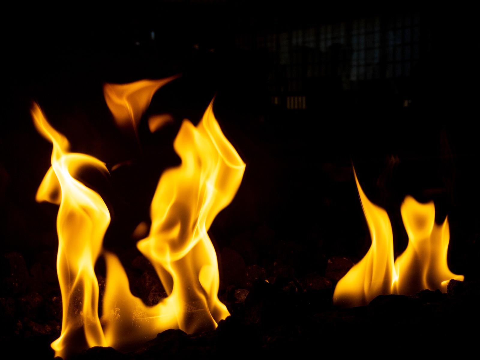 「炎上」の写真