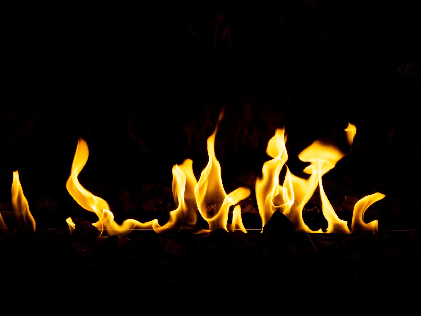 「メラメラと炎が立つ」の写真