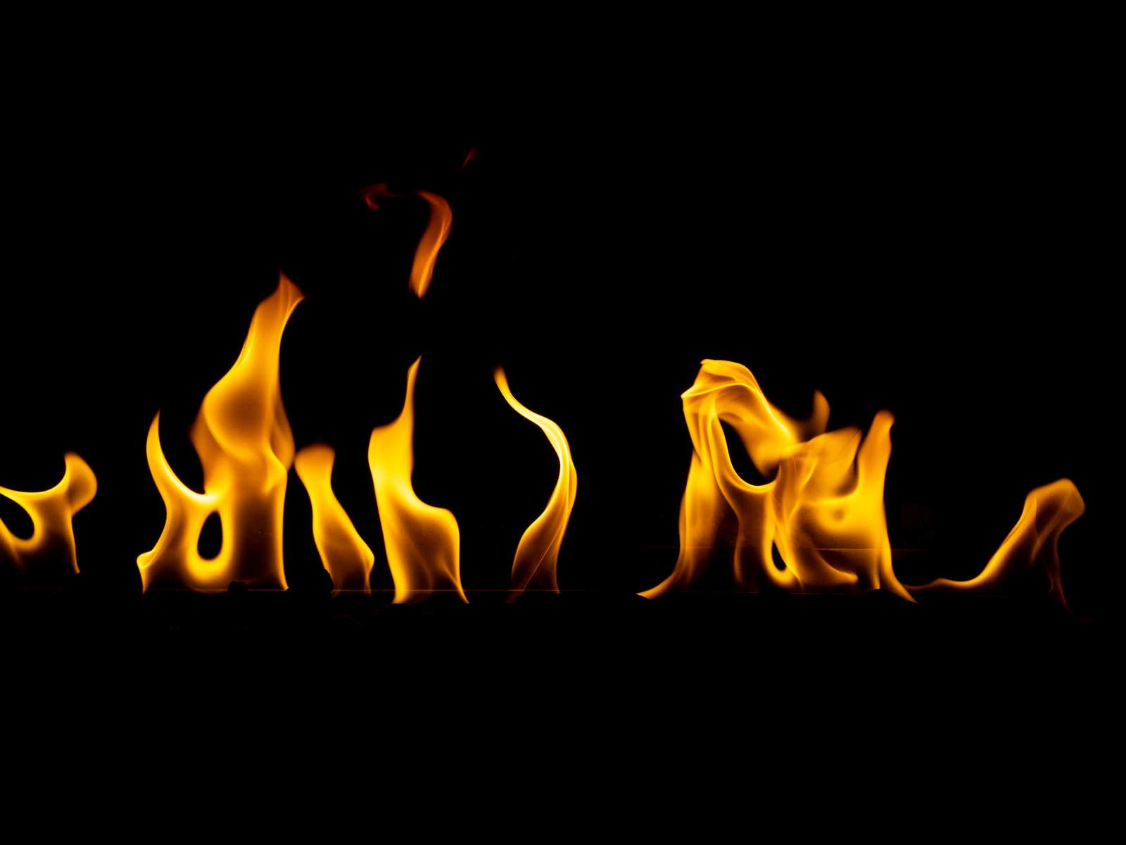 「炎がメラメラ」の写真