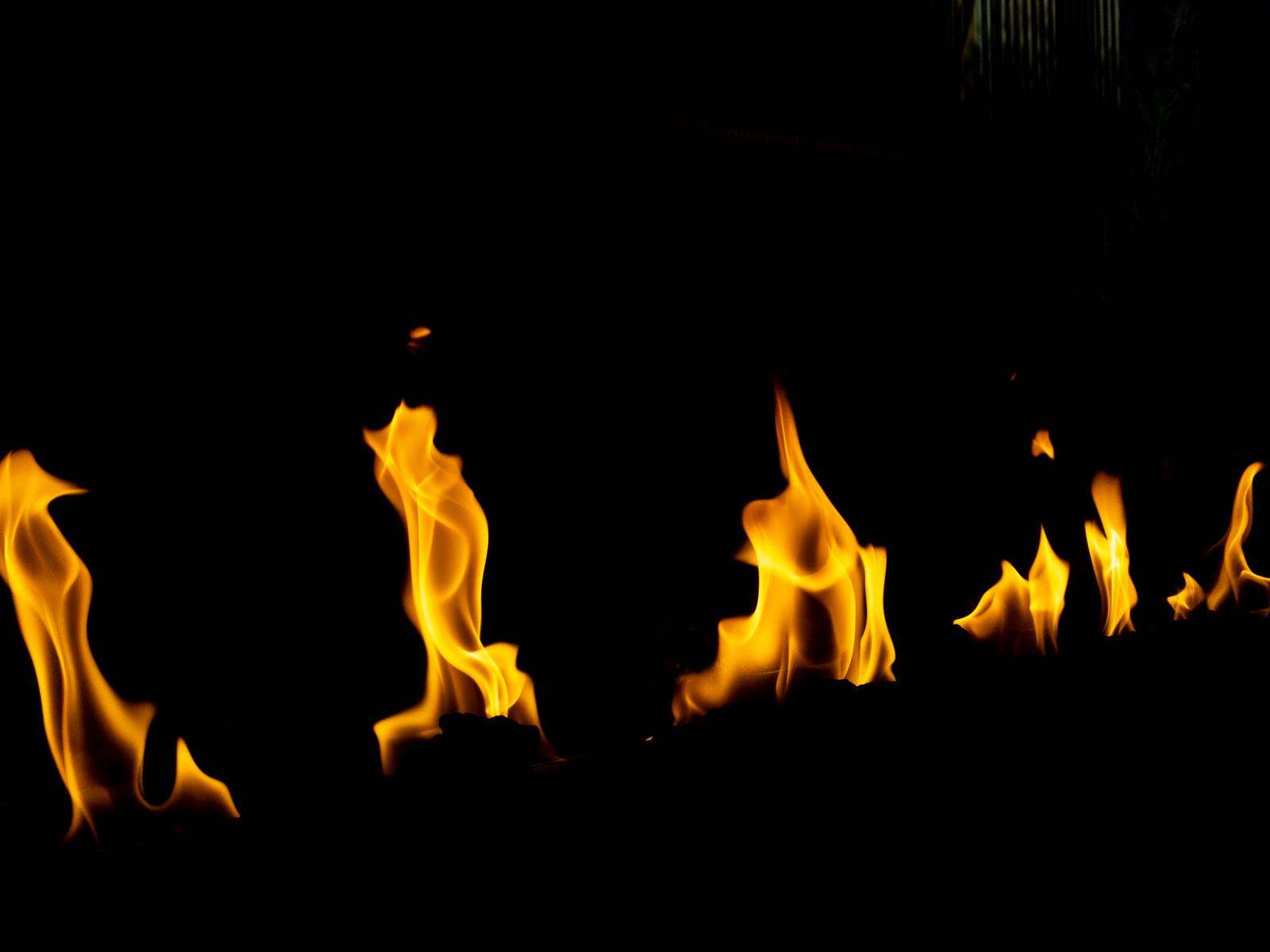 「燃えつづける炎」の写真