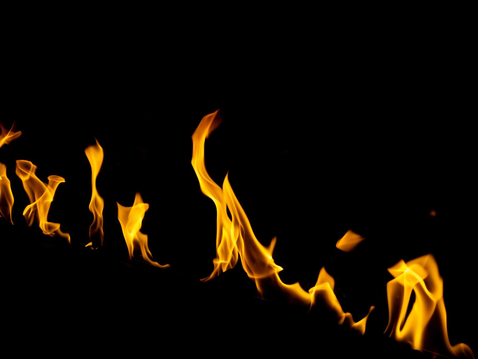 「燃える様子」の写真