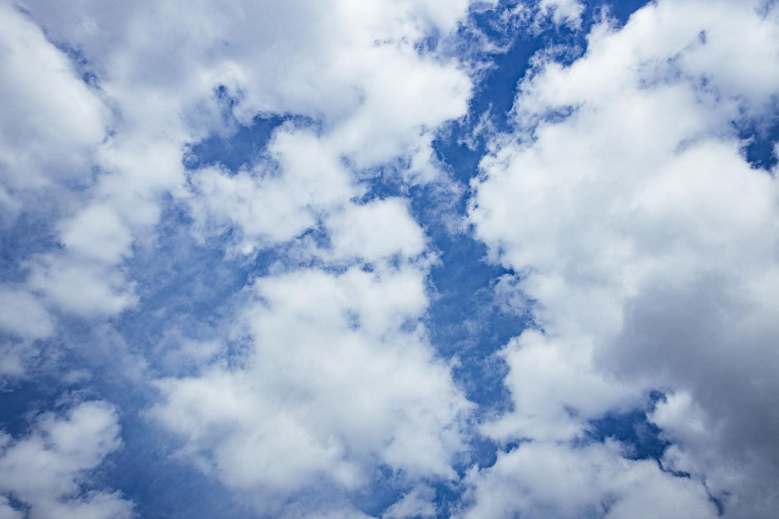「フワフワの積雲」の写真