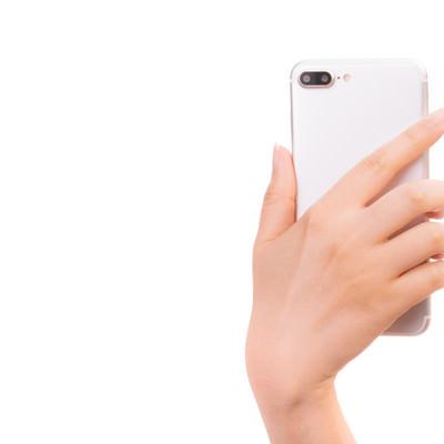 「スマートフォンの背面」の写真素材
