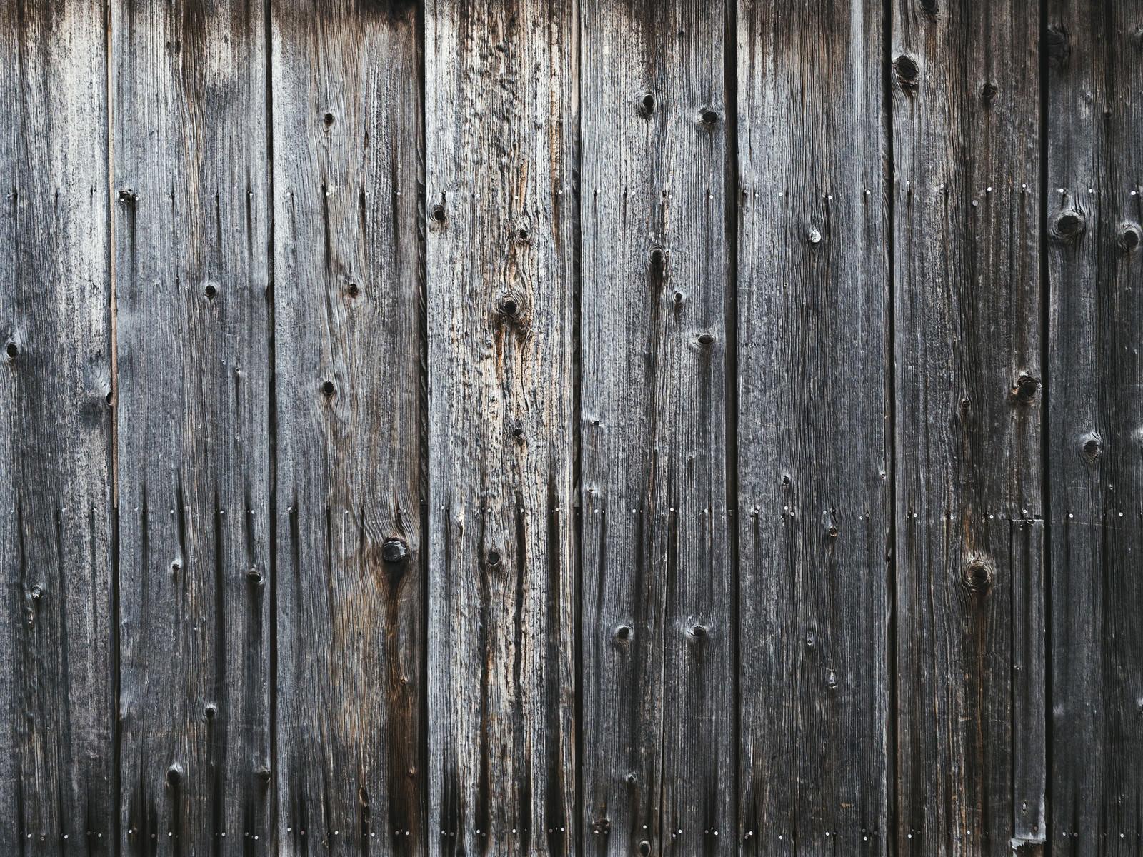 「古い木目の板(壁)」の写真