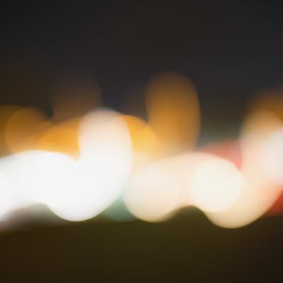 「遠くに見える光りのボケ」の写真素材