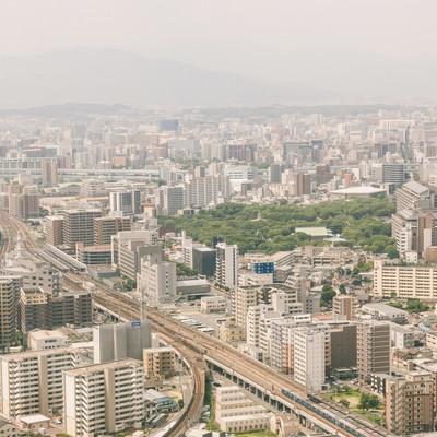 「PM2.5がひどい日の福岡上空から市内の様子」の写真素材