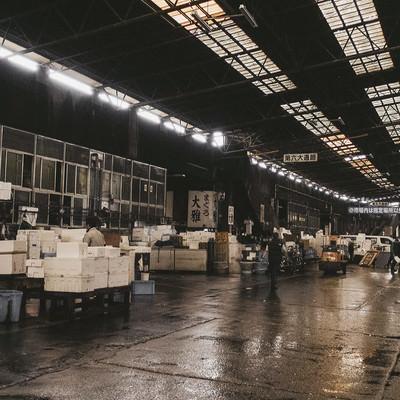 「老朽化が心配な築地市場内の様子」の写真素材