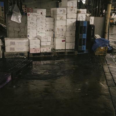 「山積みされた発泡スチロール(築地市場)」の写真素材