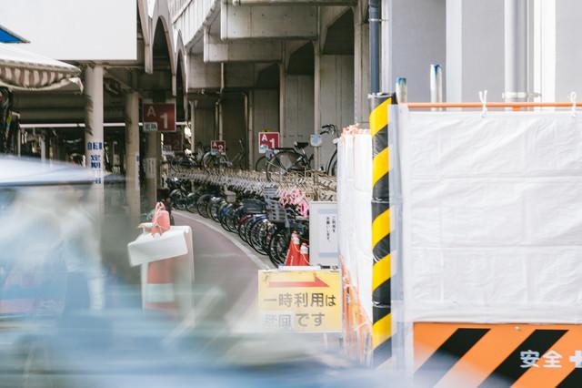 駅前の駐輪場の写真