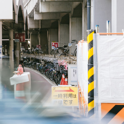 「駅前の駐輪場」の写真素材
