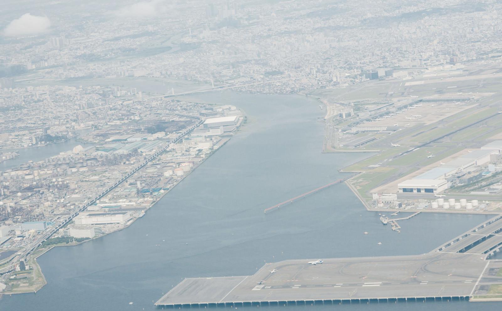 「羽田空港から離陸後の東京の様子」の写真