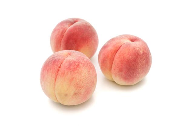 まんまるの桃の写真
