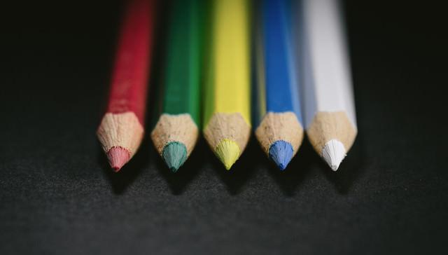 5本で1つのグループ(色鉛筆)の写真