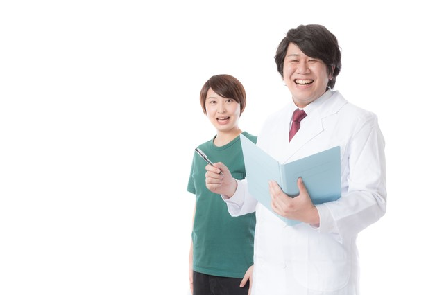 医薬品の研究現場でサポートする治験コーディネーターの写真