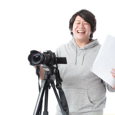 「制作の現場を取り仕切る映像ディレクター」の写真素材