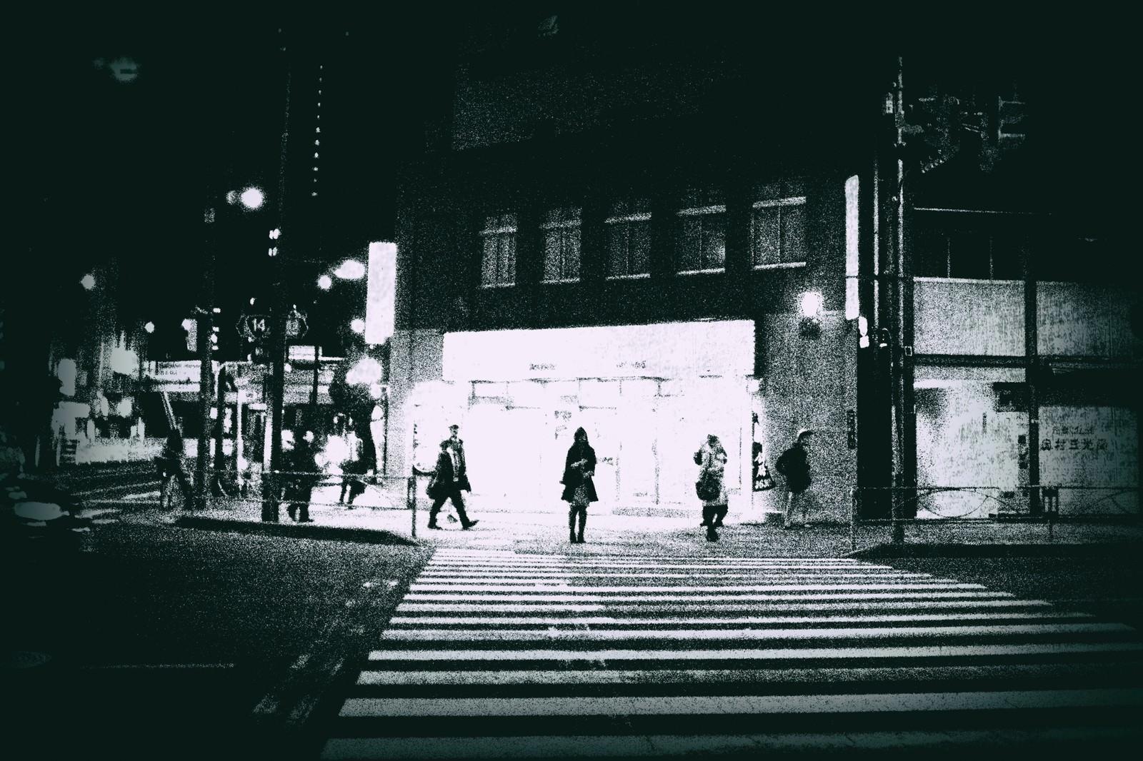 「信号待ち(白黒)」の写真