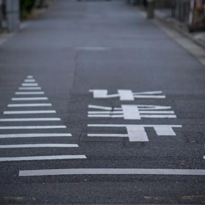 「止まれの道路標識」の写真素材