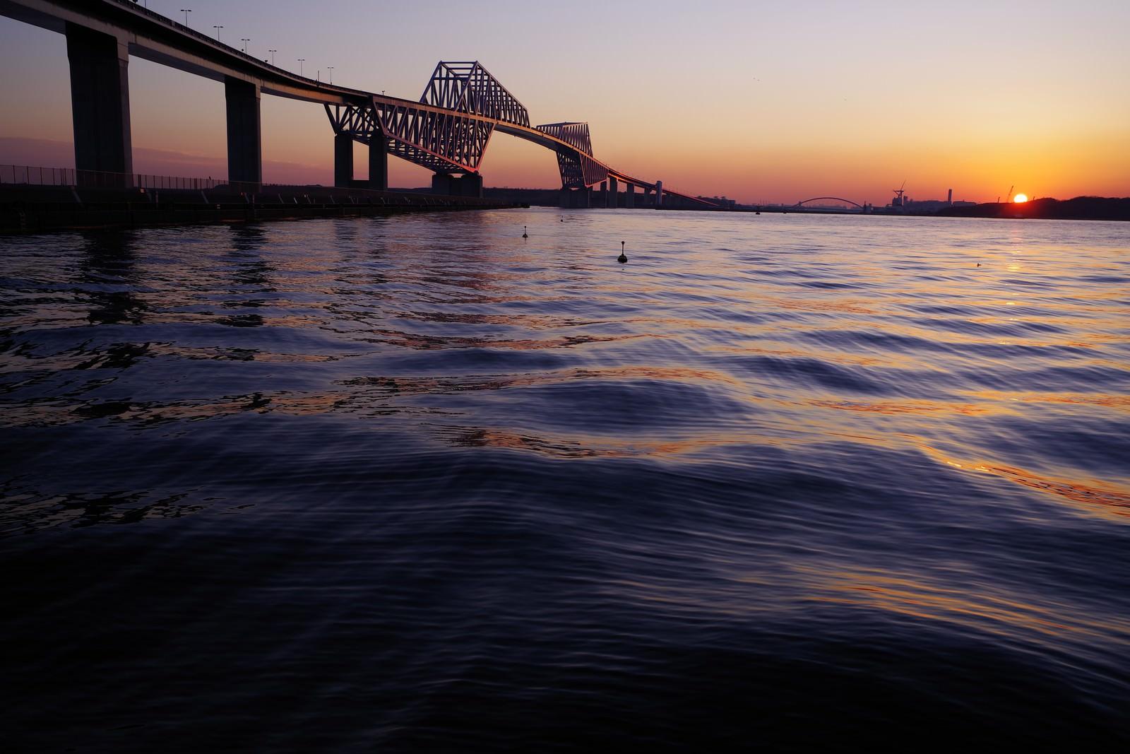 「夕暮の東京ゲートブリッジ」の写真